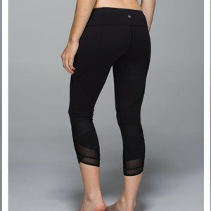 lululemon emerge renewed black crop leggings